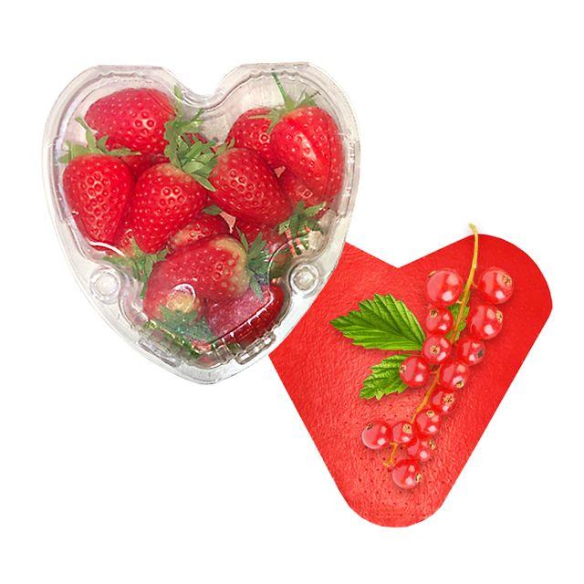 Пластиковые контейнеры и влаговпитывающие салфетки в форме сердца для ягод и фруктов.